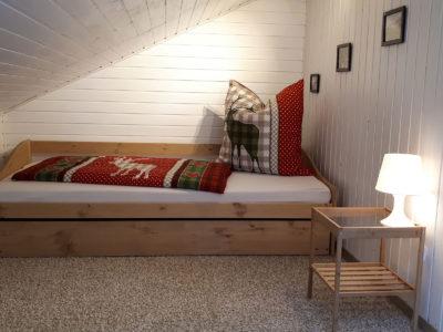 Ferienwohnung Mittenwald Karwendelherzen Schlafzimmer klein